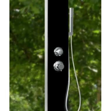 Přepínání mezi dešťovou a ruční sprchou zajišťuje páková baterie