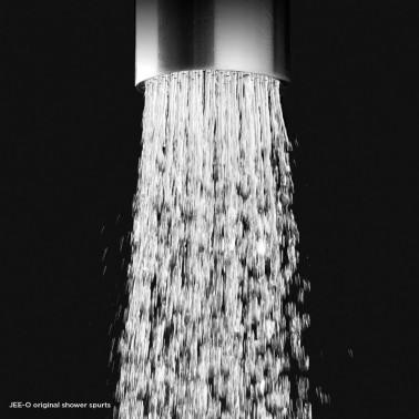 Detail proudu vody sprcvhy JEE-O original 02