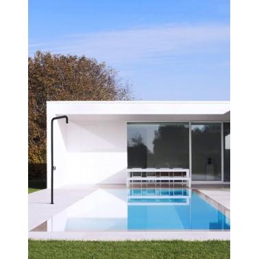 Designová bazenova sprcha Resort od Armando Vicario